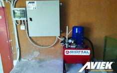 Το αναβατόριο EASY LIFT κατασκευάζεται στην Ελλάδα από την Aviek. Είναι εναρμονισμένο με τις Ευρωπαϊκές οδηγίες Μηχανών 42/2006 ΕΚ και σύμφωνα με το πρότυπο BS EN81.42/2010. Με την αγορά του δίνεται δήλωση συμμόρφωσης CE. Vacuums, Home Appliances, House Appliances, Domestic Appliances, Vacuum Cleaners