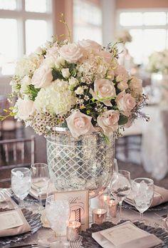 4a4e7adf276d romantic wedding centerpieces with glamour modwedding  RomanticWhite   WeddingCenterPieces Romantická Svadba