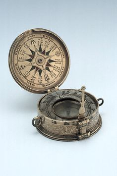 Knowledgeable King London Style Compass Directional Camping Outdoor Sports Vintage Compasses. Antiques Maritime