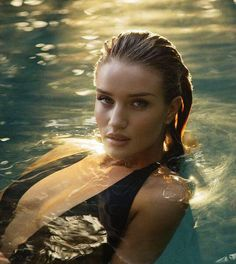 Rosie Huntington-Whiteley for Esquire UK, April 2015 Photographed by: Simon Emmett Swimming Pool Photography, Water Photography, Portrait Photography, Celebrity Photography, Summer Photography, Rosie Huntington Whiteley, Model Posing, Esquire Uk, Photographie Portrait Inspiration