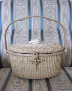 All White Basket 9inch Tote by handvaerker