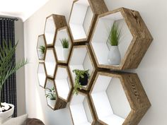 Wohnen DIY ideas with hexagon: Build a fancy shoe rack yourself - house decoration more Wallpaper Mu
