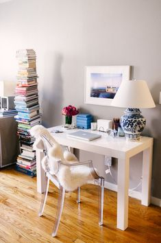 Interior Designer and Blogger Nicole Gibbons of So Haute #theeverygirl