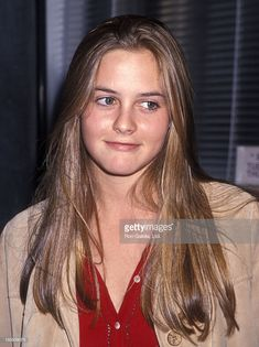 Actress Alicia Silverstone attends the Marvin's Room Opening Night Performance on September 1994 at Tiffany Theater in West Hollywood, California. Hollywood California, West Hollywood, Alicia Silverstone 90s, Cher Clueless, Cher Horowitz, Chocolate Brown Hair, Bombshell Beauty, Elizabeth Hurley, September 22