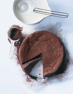 Bolo de Chocolate sem Farinha (Flourless Chocolate Cake)
