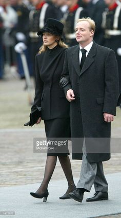 Prince Carlos of Bourbon Parma and Mabel Wisse Smit, girl friend of Dutch Prince Johan Friso, arrive for the funeral ceremony of Prince Claus of the Netherlands at the Nieuwe Kerk church October 15, 2002 in Delft, Netherlands. Prince Claus, husband to Queen Beatrix, died October 6, 2002 after a long battle with Parkinson's disease and pneumonia.