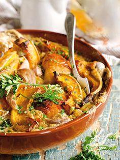Garlic chicken with yellow peppers - Il Pollo all'aglio con peperoni gialli è un piatto tipicamente inglese: viene preparato con una salsa a base di Worcester, ketchup e tabasco. Da provare! #polloconpeperoni