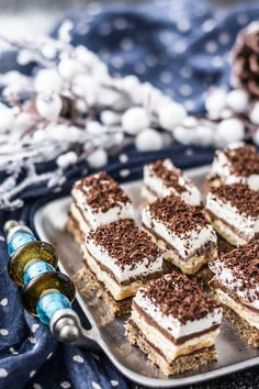 Prajitura Kinder Bueno Bucătăria Urecheatei Prajitura Kinder Bueno Bucătăria Urecheatei The post Prajitura Kinder Bueno Bucătăria Urecheatei appeared first on Kinder ideen. Czech Desserts, Romanian Desserts, Fancy Desserts, Delicious Deserts, Yummy Food, Sweets Recipes, Cake Recipes, Dessert Bread, Christmas Desserts
