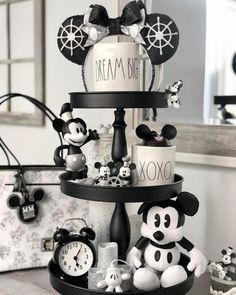 Tiered tray goals from our friend Thank you so much for sharing! Disney Cruise, Walt Disney, Disney Diy, Disney Crafts, Disney Kitchen Decor, Disney Home Decor, Kitchen Decorations, Kitchen Timer, Image Halloween