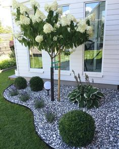 Simple, easy and cheap DIY garden landscaping ideas for front yards and backyard. - Simple, easy and cheap DIY garden landscaping ideas for front yards and backyard… – Сад – - Small Backyard Landscaping, Landscaping Design, Front Landscaping Ideas, Rocks In Landscaping, Front Yard Ideas, Landscape Rocks, House Landscape, Front Yard Fence Ideas Curb Appeal, Backyard Pools