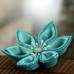 Tsumami Style flower brooch