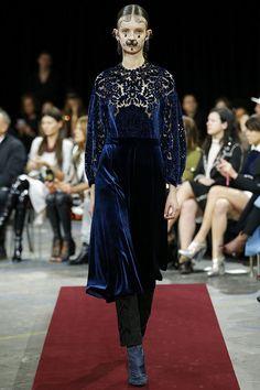 Givenchy Fall 2015 RTW Runway - Vogue-Paris Fashion Week