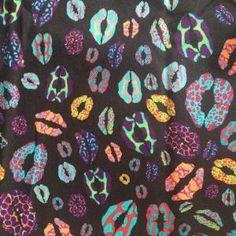 leo lip Alexander Mcqueen Scarf, Fabric, Prints, Leo, Backgrounds, Illustrations, Fashion, Tejido, Background Pics
