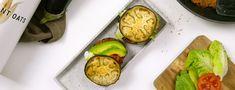 Burger végétarien pauvre en glucides Low Carb Burger, Low Carb Veggie, Amuse Bouche Vegan, Enjoy Your Meal, Avocado Egg, Zucchini, Lunch, Meals, Dinner