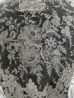 Antique Lace, Linens-Vintage Clothing-Textiles-Fans-Stella Niforos-New York: Antique Lace: Veils/Shawls