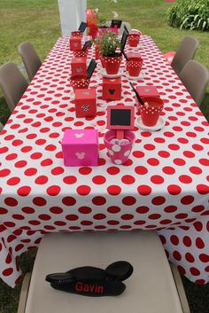 Mickey Mouse Clubhouse birthday party - tablecloths are fabric from Walmart