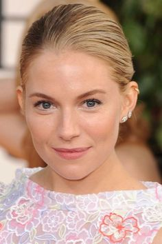 Neue Hochzeit Make-up Light Skin Brides Ideas - Wedding Makeup Lipstick Celebrity Wedding Makeup, Wedding Makeup Tips, Wedding Makeup Looks, Wedding Ideas, Sienna Miller, Claire Danes, Amanda Seyfried, Photomontage, Wedding Makeup