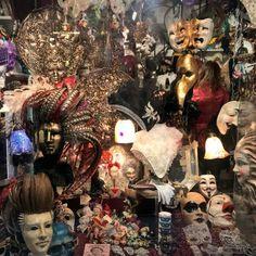 Venice Carnival 2018  #jjamv #julesvtravel #venicecarnival #veniceitaly #ig_venice #carnival2018 #masks #carnival #carnevale2018 #carnavales #venicecarnival #beautifulvenice #lovevenice #carnevaledivenezia #instavenice #veneziadavivere #veneziagram #veneziacityitaly #veneziacityofficial #carnivalmask #carnivalcostume #lavidaesuncarnaval #veneziaunica #ig_venezia #loves_venezia #volgovenezia #visit_venice
