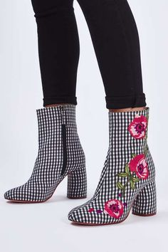 SHOP | Embroidered boots