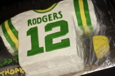 Go Cheeseheads!!! Green Bay Packers Cake - Aaron Rodgers Cake