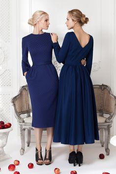 Платье «Лиля» синее — 18 990 рублей, Платье «Классика» синее — 23 990 рублей