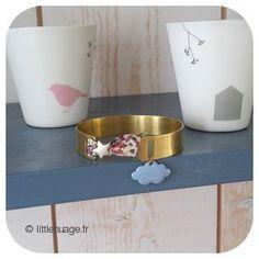Manchette ♡ bleu douceur Artisanal, Dog Bowls, Planter Pots, Clouds, Gentleness, Blue