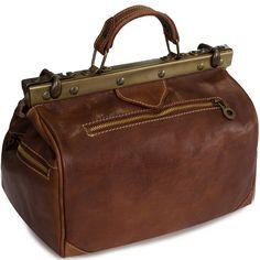 #vintage #vintagebag #retrobag #oldshoolbag #vintagestyle #leatherbag #bag #leather Travel Bag, Leather Bag, Retro, Bags, Vintage, Fashion, Fanny Pack, Leather, Handbags