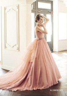 dball Ball Gowns Prom, Ball Dresses, Prom Dresses, Colored Wedding Dresses, Wedding Bridesmaid Dresses, Pretty Dresses, Beautiful Dresses, Golden Dress, Fairytale Dress