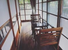 晴れた日にはお茶やお菓子を楽しめそう♪テーブルや椅子を置く事で、縁側が一気に古民家カフェのように。