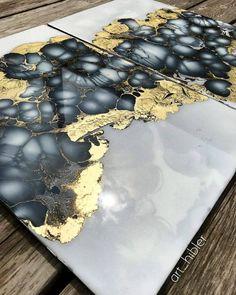 Fluid ART/Resin/Acrylic/Ink otta love this flawless resin coat Art Resin, Resin Artwork, Acrylic Resin, Acrylic Art, Resin Paintings, Art Paintings, Alcohol Ink Painting, Alcohol Ink Art, Pour Painting
