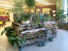 39 Cool Garden Projects That Are Also Budget Friendly And Easy To Make - Onechitecture Garden Yard Ideas, Garden Projects, Garden Tools, Garden Center Displays, Garden Centre, Garden Tool Storage, Garden Shop, Plant Nursery, Yard Design
