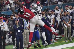 Falcons' WR Julio Jones won't have toe surgery right away = Wideout Julio Jones played through an injured toe in the Super Bowl, and there was speculation that he'd have offseason surgery to correct it. However…..