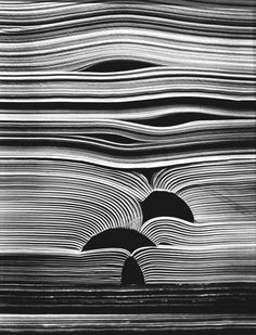 Inventive Examples of Abstract Photography Kenneth Josephson: Untitled - from the series Books , 1988 .Kenneth Josephson: Untitled - from the series Books , 1988 . Black N White, Black White Photos, Black And White Photography, Abstract Photography, Creative Photography, Photography Books, Texture Photography, Line Photography, Pattern Photography