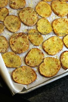 Crispy Parmesan Potatoes - Spend With Pennies - Amazing Foods Menu Recipes Vegetable Dishes, Vegetable Recipes, Vegetarian Recipes, Cooking Recipes, Crispy Parmesan Potatoes, Herb Roasted Potatoes, Garlic Parmesan, Tasty, Yummy Food