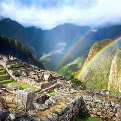 Machu Picchu in a drizzling summer afternoon. Wanna explore this unique place? Join us!😀  .  .  Follow @perusummit  .  .  .  #machupicchu #incatrail #hike #adventure #travel #tour #journey #wanderlust #traveler #travelblogger #igtravel #photooftheday #picoftheday #instagood #instago #love #mountains #vacation #luxurytravel #cuscoperu #southamerica #voyage #viaje #instapic #followforfollow #bucketlist