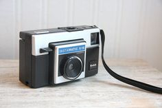 Kodak Instamatic, Vintage Camera, Kodak Instamatic x 15 Color outfit with original box flash cube via Etsy
