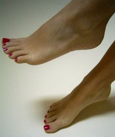 for those who appreciate nice feet, toes, nice shoes and high heels. Nice Toes, Pretty Toes, Feet Soles, Women's Feet, Red Pedicure, Feet Show, Feet Nails, Toenails, Beautiful Toes