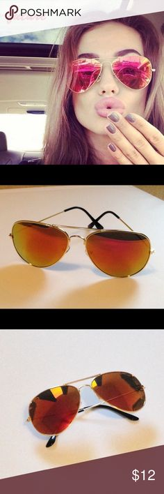 Aviator Sunglasses with Red Mirror Lenses Aviator Sunglasses with Pink/Red/Multicolored Mirror Lenses and Golden Frames 😎 New! Accessories Sunglasses