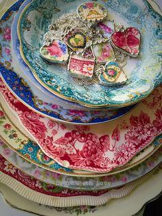Disegni di Dishfunctional Il gioiello contemporaneo originale artigianalmente da Cina vintage rotto... Artista fatto rotto Cina gioielli