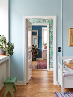 """A (beautiful) case of the blues. gravity-gravity: """"Source: My Scandinavian Home """" Colorful Interiors, Interior, Home, Scandinavian Home, My Scandinavian Home, House Interior, Interior Design, Home And Living, Swedish House"""