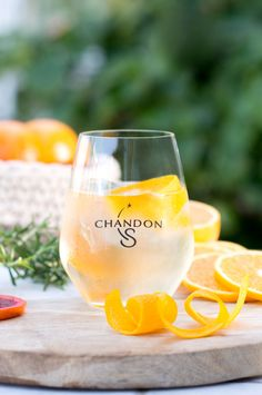1 - Pour your Chandon S into a stemless glass. 2 - Add ice, as much as you like! 3 - Garnish with a twist of zesty orange peel. Restaurant Promotions, Craft Cocktails, Sparkling Wine, Orange Peel, Blood Orange, As You Like, Wine Glass, Alcohol, Ice