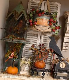 Fall vignette with a hint of industrial. Great idea for a fall - Thanksgiving retail display! Vintage Halloween, Fall Halloween, Classy Halloween, Halloween 2018, Halloween Ideas, Window Display Retail, Retail Displays, Window Displays, Shop Displays