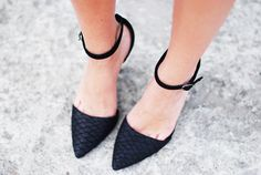 textured black pointy-toed