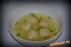 Cesnaková polievka s paštétovými knedličkami