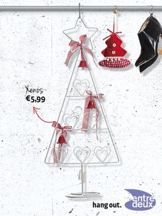 Geen zin in een echte boom dit jaar? Ga dan voor deze leuke metalen versie. Xenos € 5,99