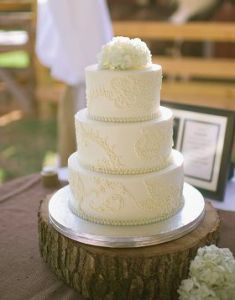 Cinda's Creative Cakes - Holly Springs NC - Rustic Wedding Guide