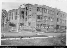 COLEGIO BERCHMANS EN SU SEDE ANTIGUA(Barrio El Centenario).Biblioteca Departamental Jorge Garces Borrero  SANTIAGO DE CALI, C.1950