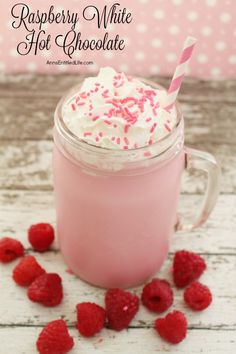 Snuggle up this winter with a cup of Raspberry White Hot Chocolate made from scratch. A delicious update to traditional hot chocolate, this yummy mixture will wa (Chocolate Milkshake Cups) Hot Chocolate Bars, Hot Chocolate Recipes, Chocolate Smoothies, Chocolate Shakeology, Lindt Chocolate, Chocolate Crinkles, Chocolate Mouse, Chocolate Drizzle, White Chocolate