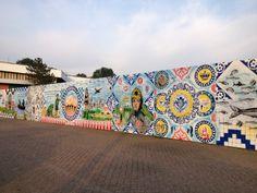 graffity-kunst op de schutting om het bouwterrein van het nieuwe Flevoparkpad in Noord