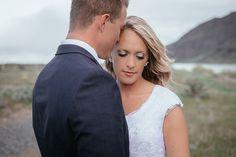 Matt Shumate Photography wedding bride and groom romantic portrait along side the Columbia River